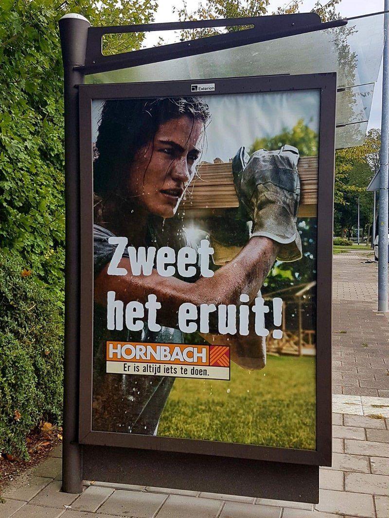Een vrouw op een poster